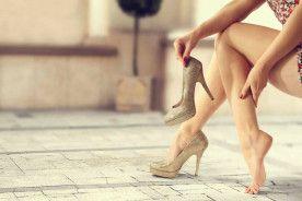 Mẹo nhỏ giúp chị em đi giày cao gót không bị đau chân