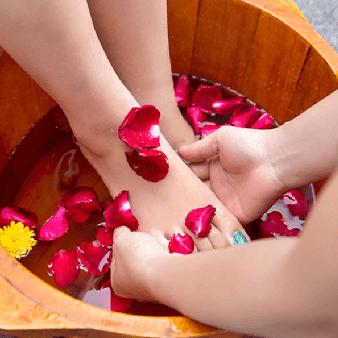 Massage bàn chân theo phương pháp truyền thống